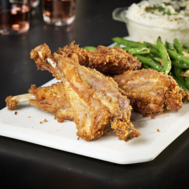 Our lip-smacking foodie-approved turkey ribs are like a combination of LIT wings and juicy ribs. Now, this is what we call TURKEYLICIOUS!! So buckle up for a crafted experience like no other!